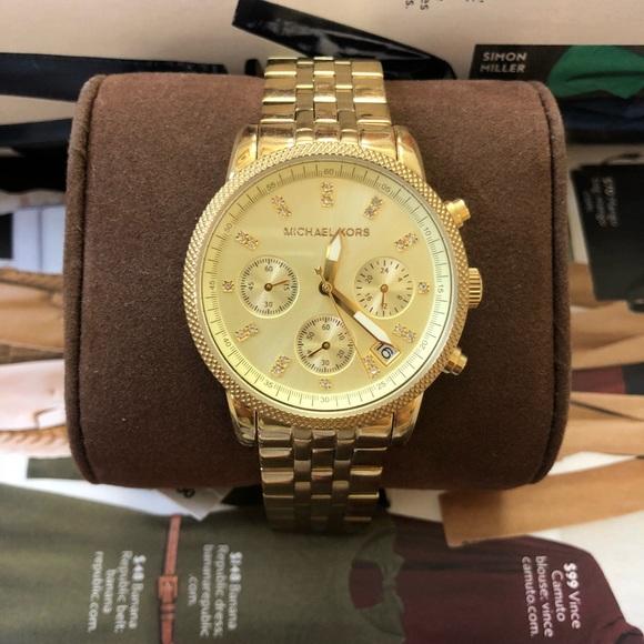 d06af16cd816 Michael Kors MK5676 Gold-Tone Ladies Watch. M 5ae8ba7c9a94550d83204c28